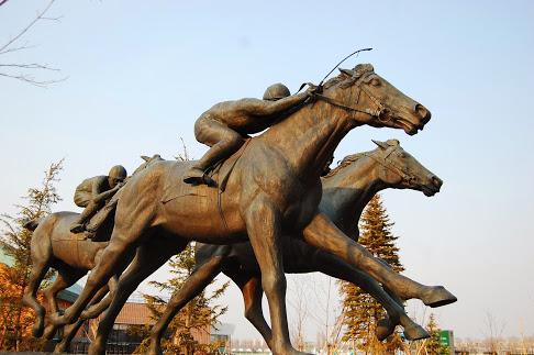 札幌競馬場 銅像