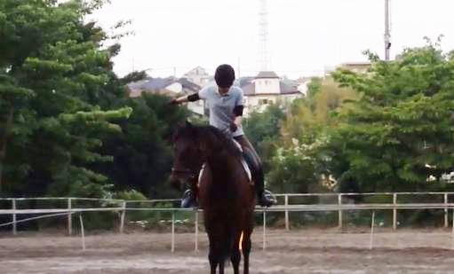 乗馬 馬術 女性の敬礼